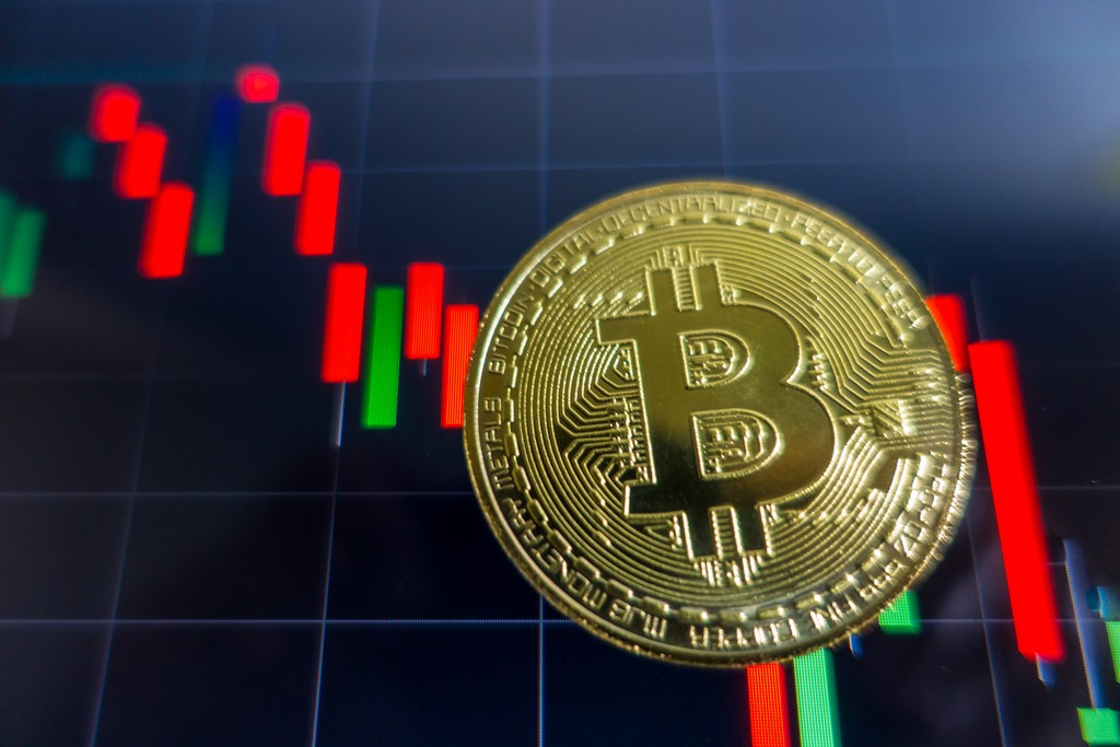 Bitcoin gravitates to south