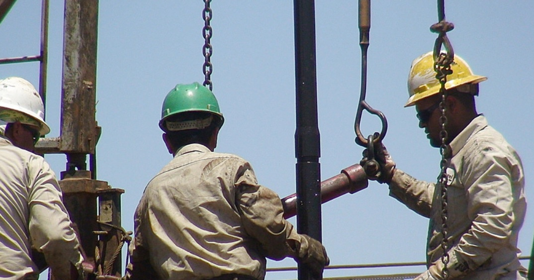 Expensive oil puts pressure on stock growth