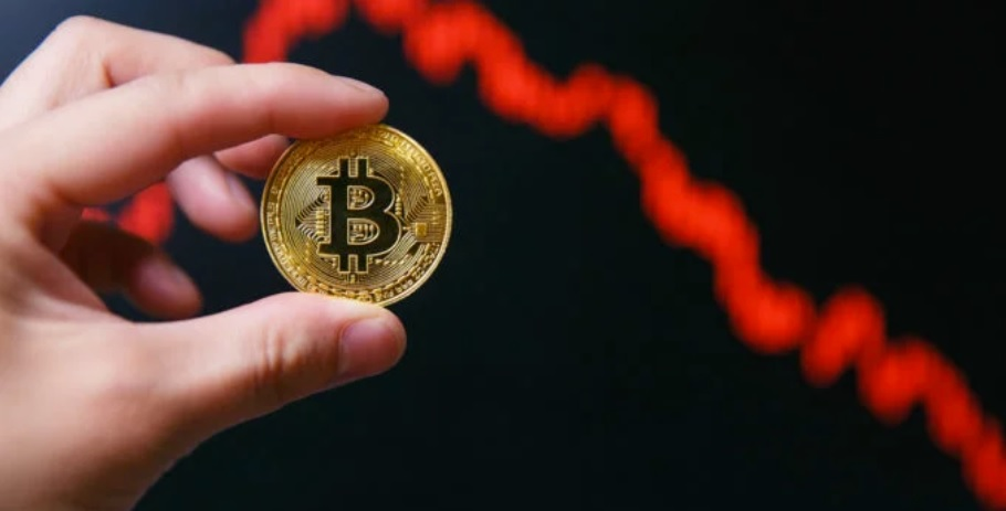 Newsflash: Bitcoin Price Plunges 14% in Violent Spiral to $7,700 — Here's Why