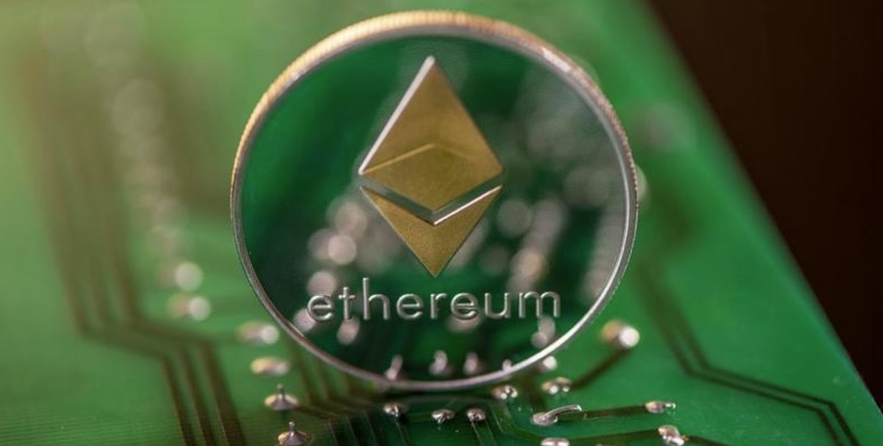 Ethereum Could Soar to $900, Predicts Popular Elliott Wave Trader