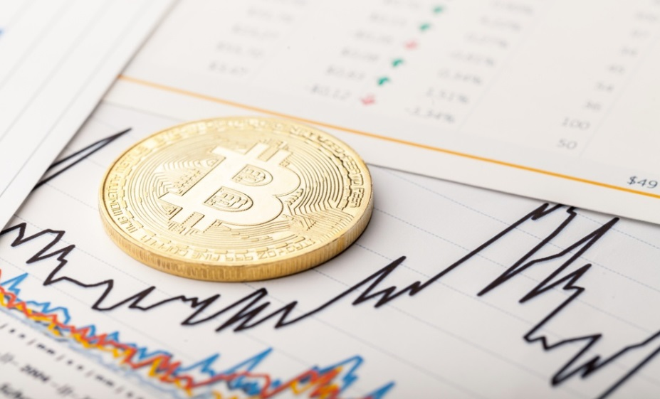 Bitcoin price trends weakly but analysts anticipate strong $8,000 support