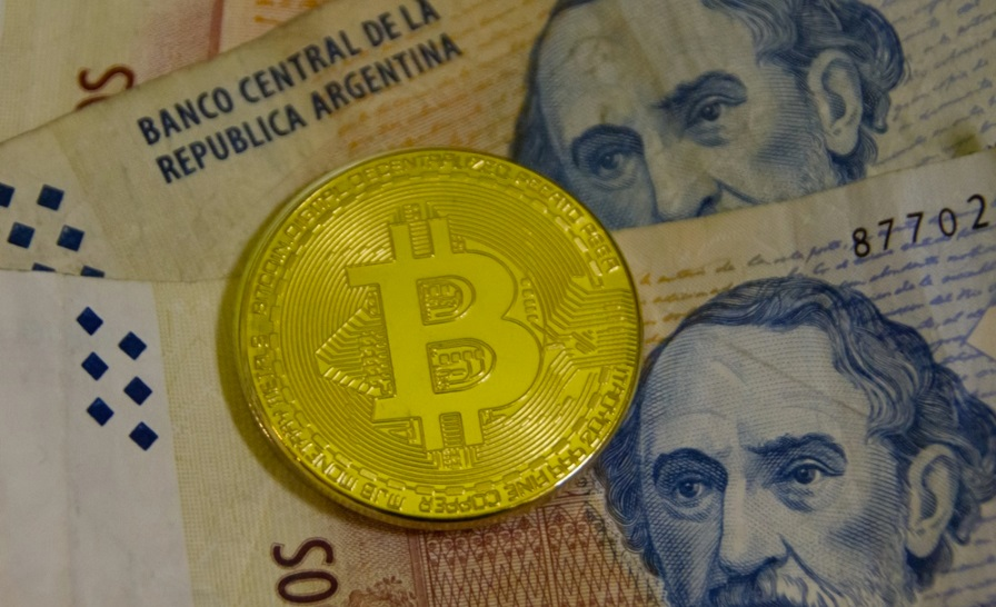 Bitcoin Price Premium Surpasses $1,000 in Argentina amid Currency Controls