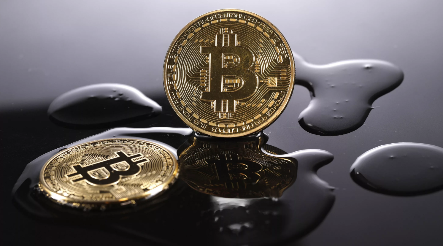 Bit-comment: Bitcoin reached a local high of $10,900
