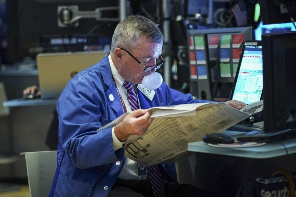 Dow Outlook: The Stock Market is Tumbling Towards a Critical Level