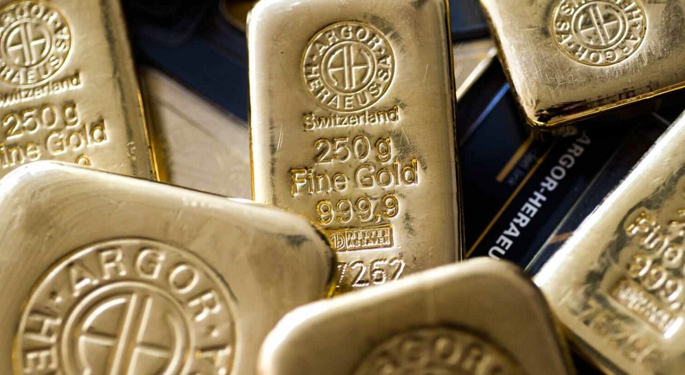 Gold on track for highest close in 7 years as investors hedge stock market highs and virus fears