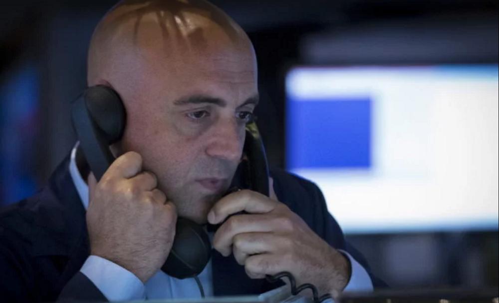 Dow Wobbles as Coronavirus Clobbers Stock Market Earnings Forecasts
