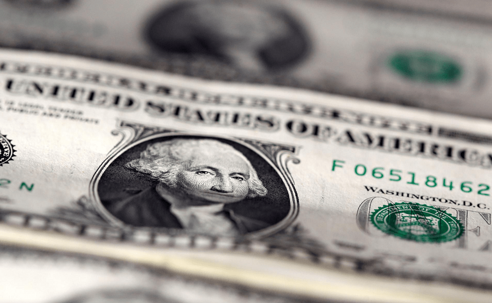 U.S. stimulus hopes push dollar to one-month low; risk currencies gain