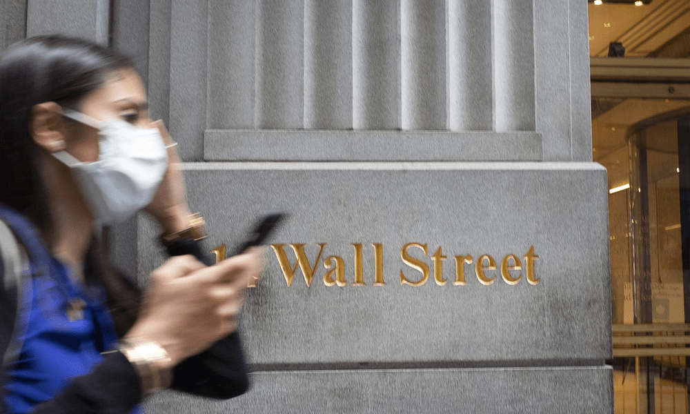Dow futures fall more than 300 points as Wall Street grapples with rising Covid-19 cases, earnings