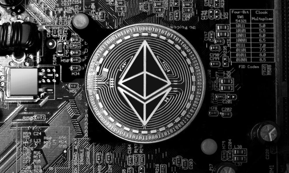 Ethereum at crucial point, fundamentals indicate strong bullish trend