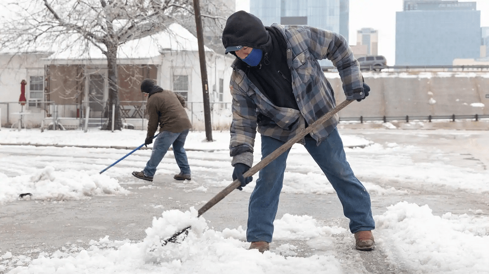 No electricity, no water, Texans struggle through historic cold with more dark days ahead