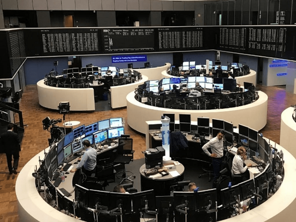 Oil, travel stocks boost European shares