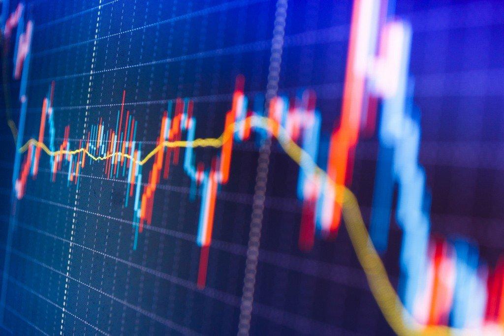 Stocks Steady as U.S. Futures Drop; Oil Declines