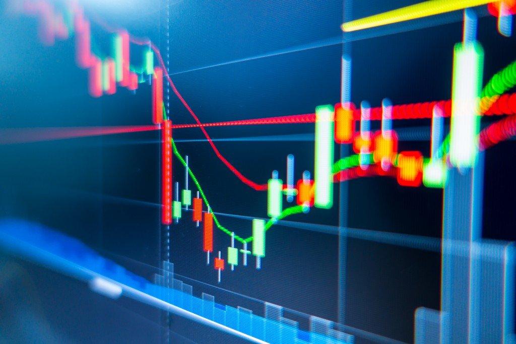 Stocks Slip, U.S. Futures Pare Gain; Dollar Climbs